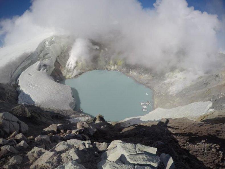 10_26_Makushin volcano
