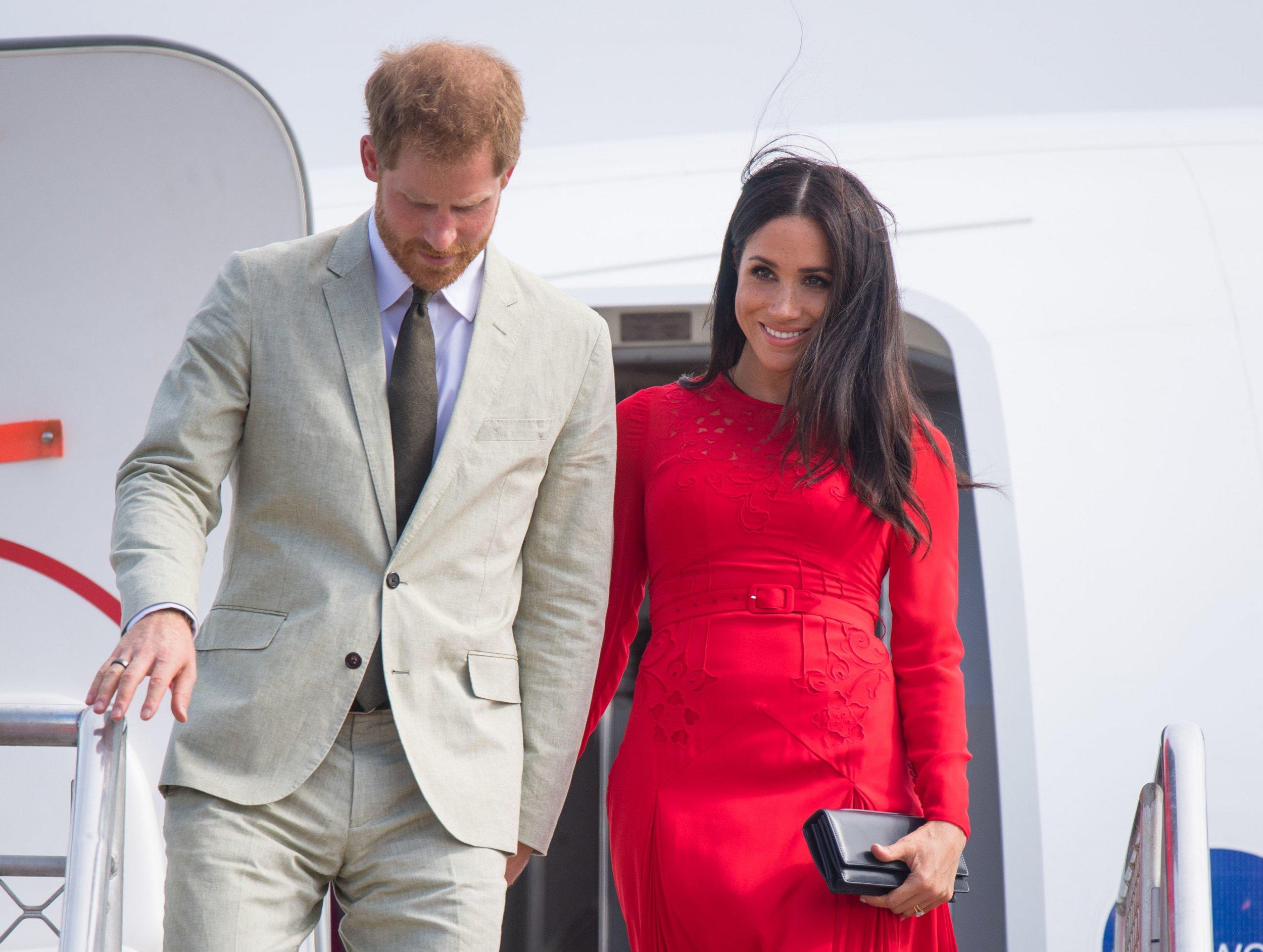 Meghan Markle, Prince Harry's Plane Abandons Initial Landing