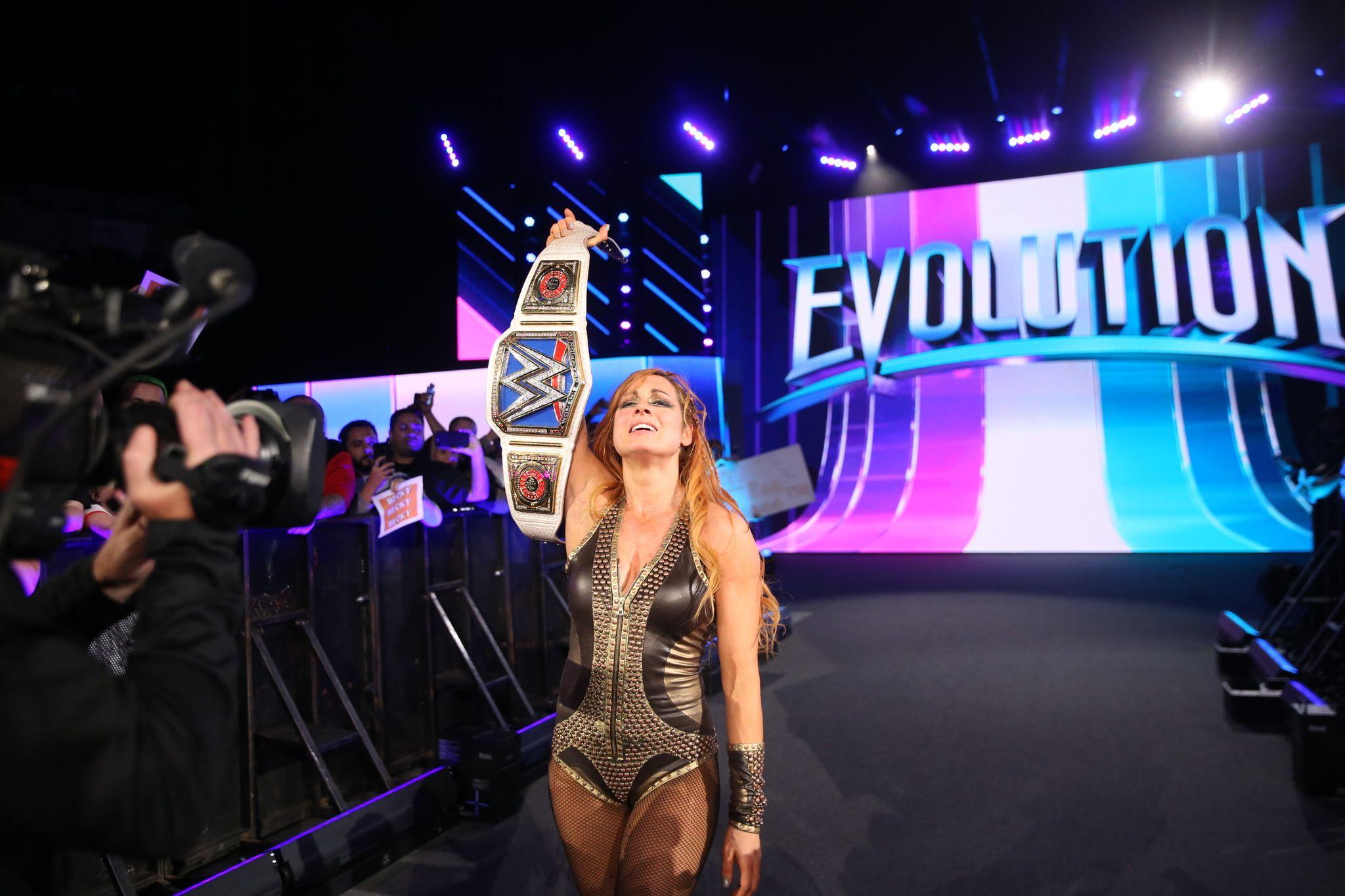 becky lynch wins evolution
