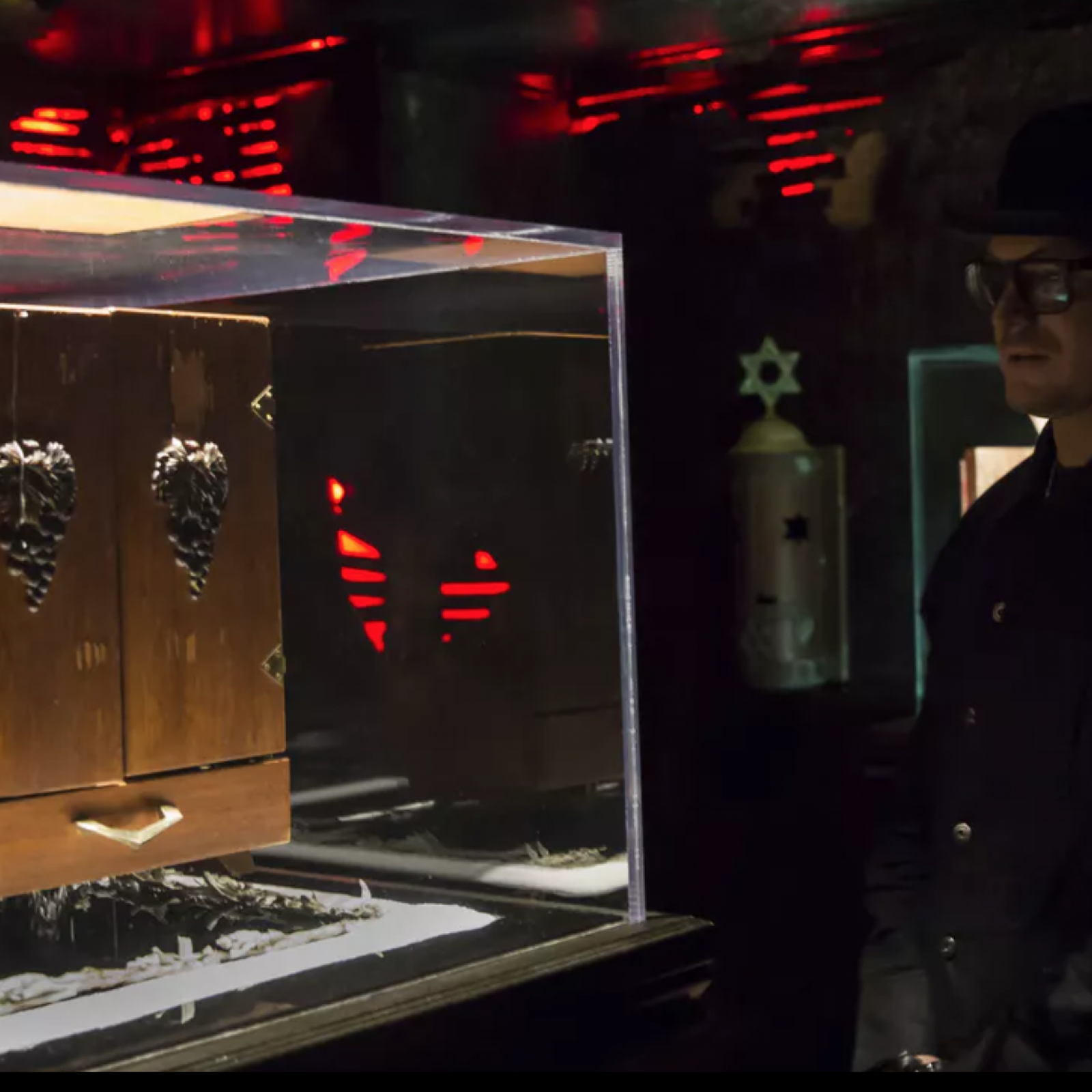Ghost Adventures Halloween 2020 Zak Open The Dybbuk Box Ghost Adventures: Quarantine' — Is Zak Bagans Really Going to Open