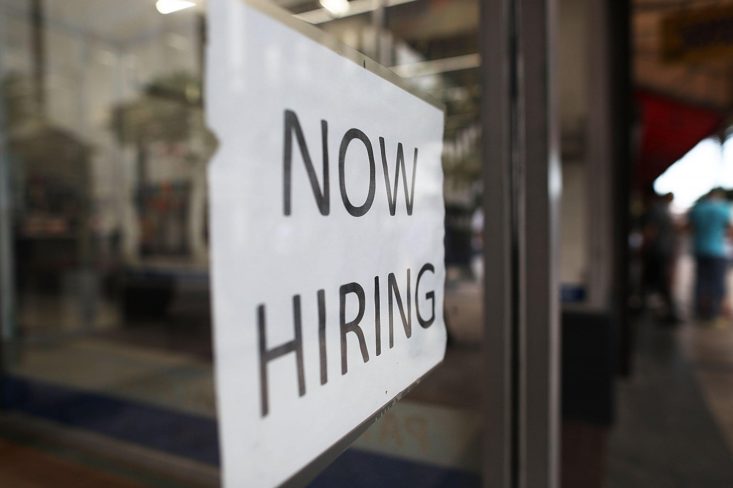 job report growth praised