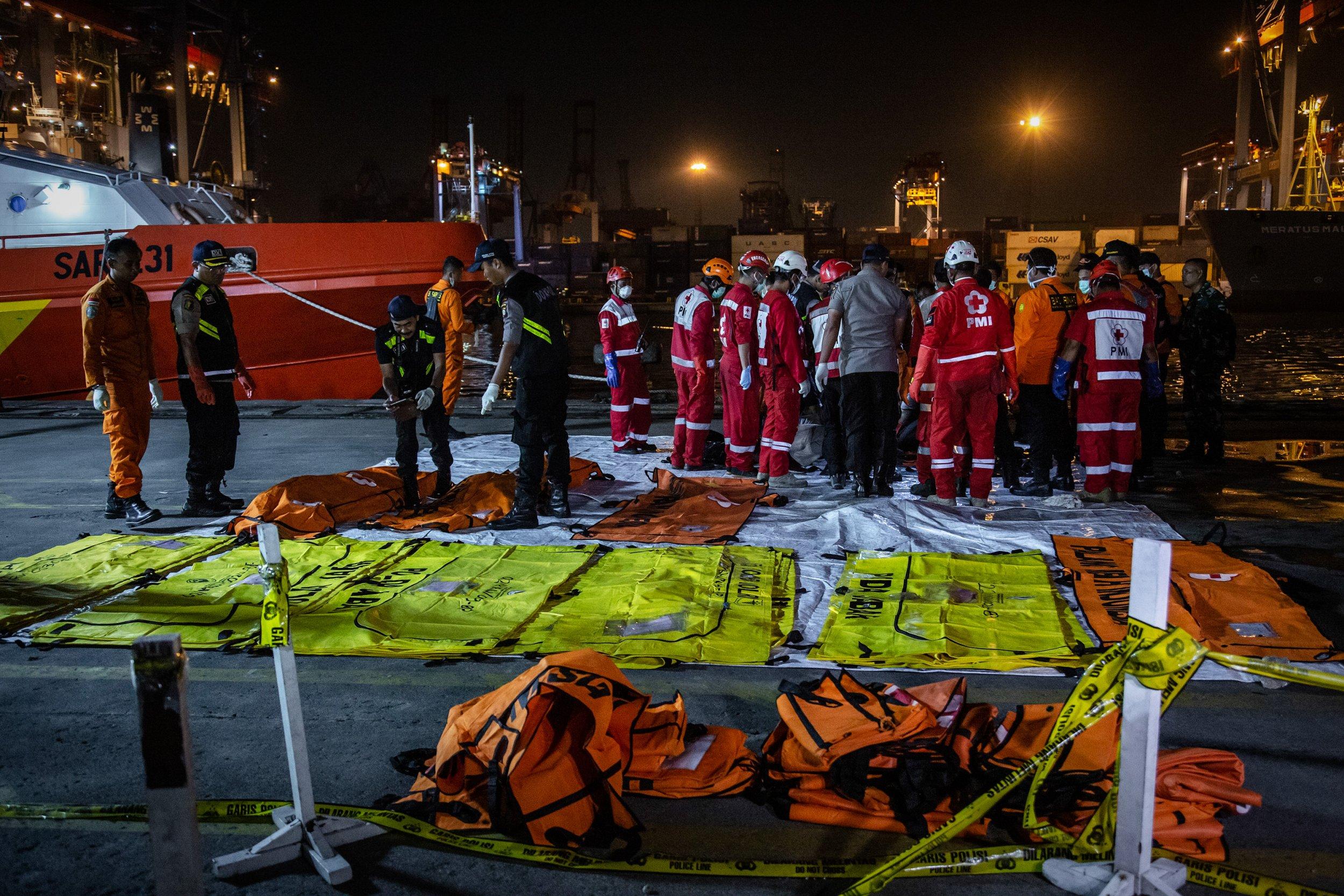 Resultado de imagen para lion air Boeing 737 MAX air crash