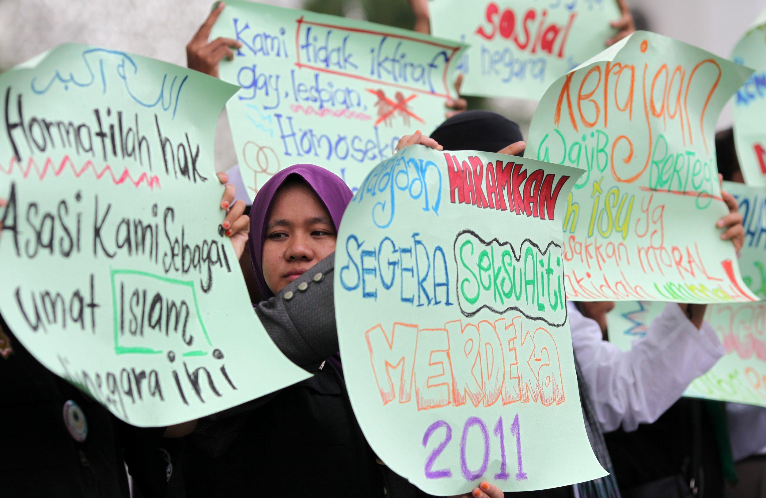 Malaysian LGBT/ Reverse Homosexuality