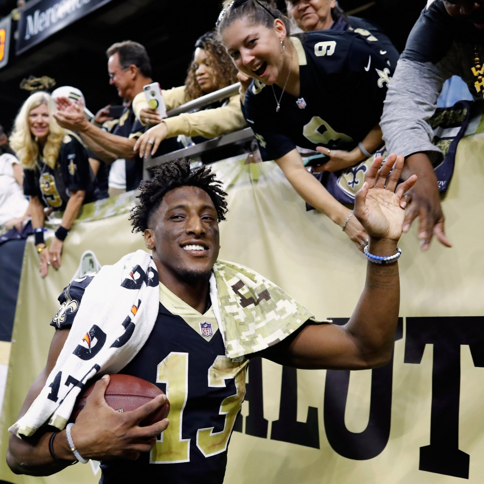Saints Michael Thomas Uses Cell Phone Does Joe Horn