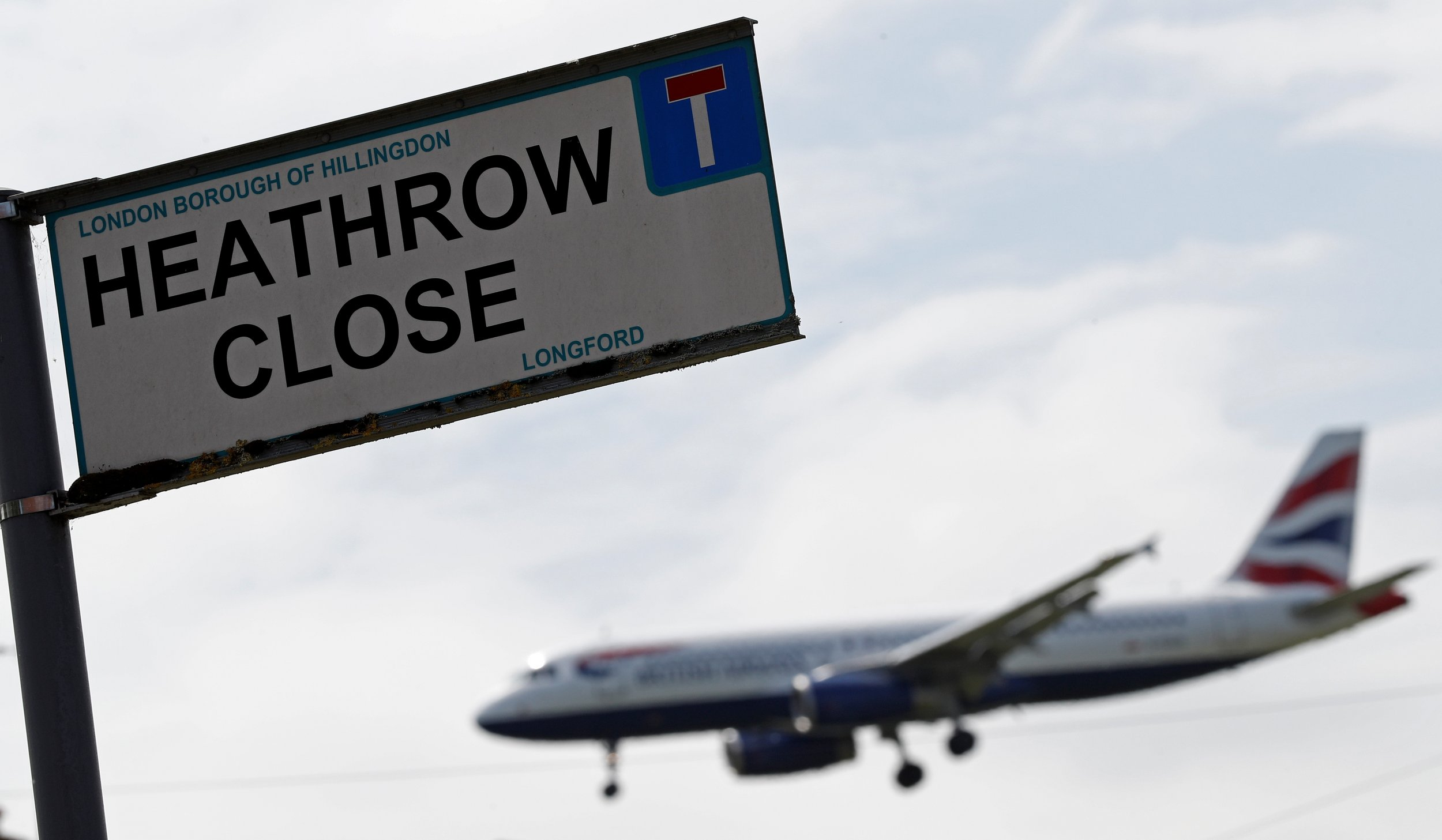 Heathrow Airport Shut Down Due to Power Outage: Report