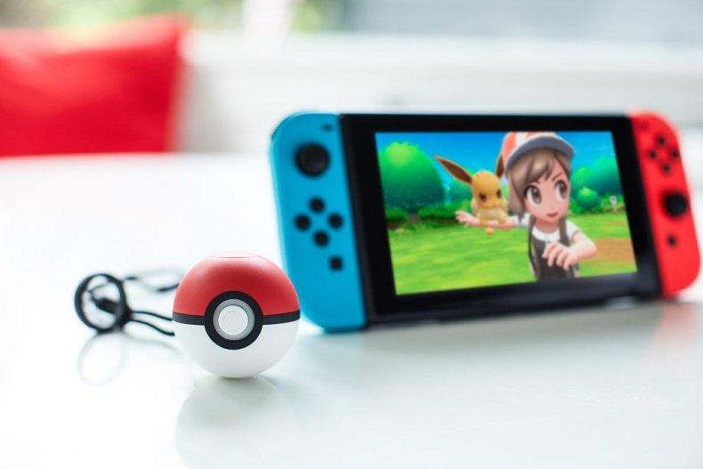 PokeBallPlus_photo_01 pokemon lets go switch