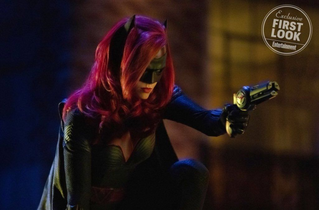 batwoman bat toys grappler batarang elseworlds crossover