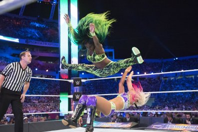 Naomi wwe wrestlemania vs alexa bliss