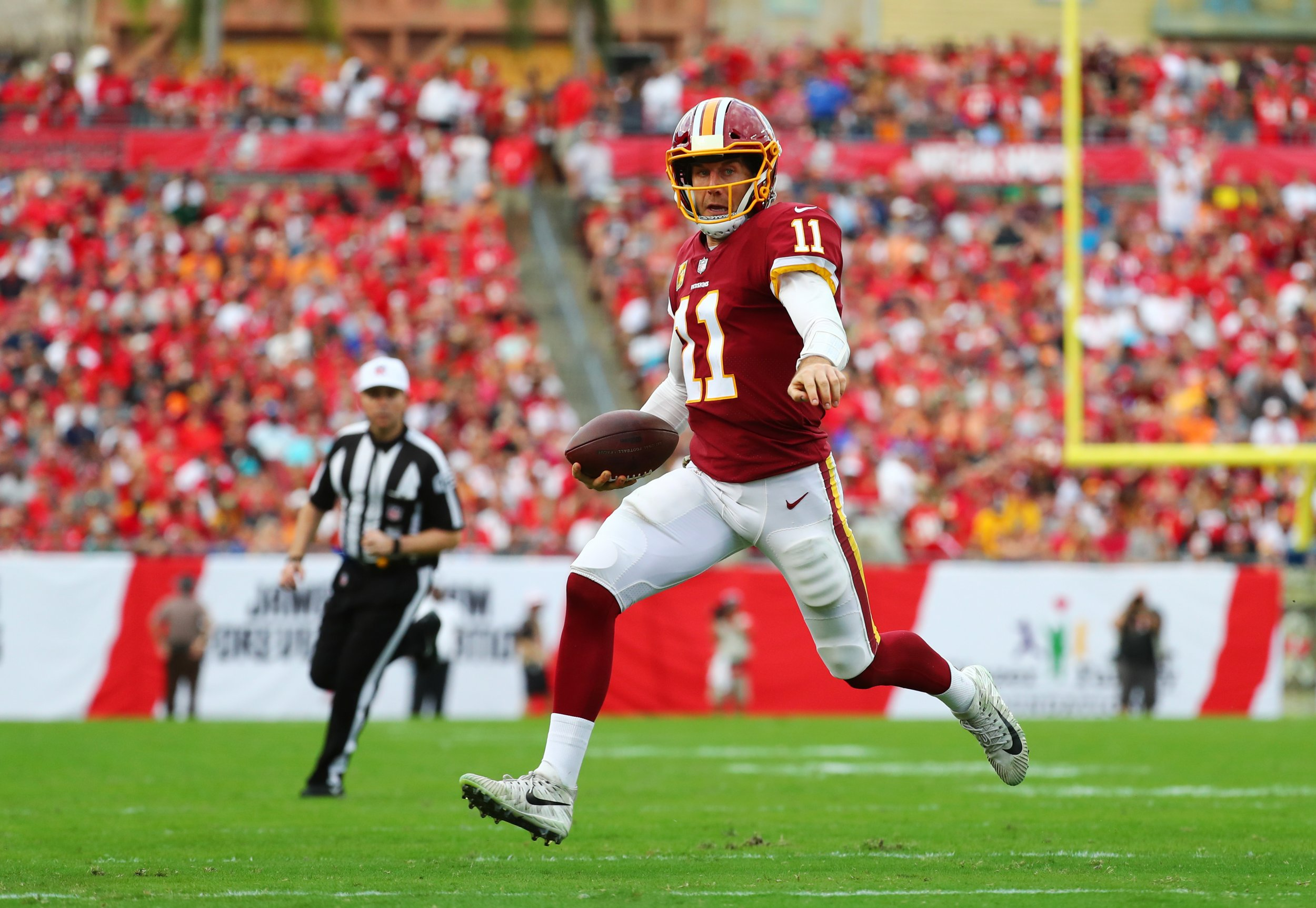 18cc411ce0e Alex Smith Injury: Redskins QB Dealing with Leg Infection after Multiple  Surgeries