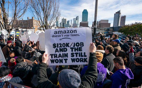 new york/amazon/headquarters/protest
