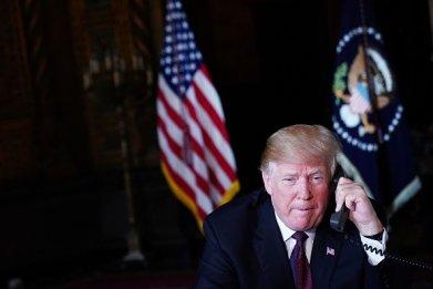 trump/thanksgiving/phone/call/military