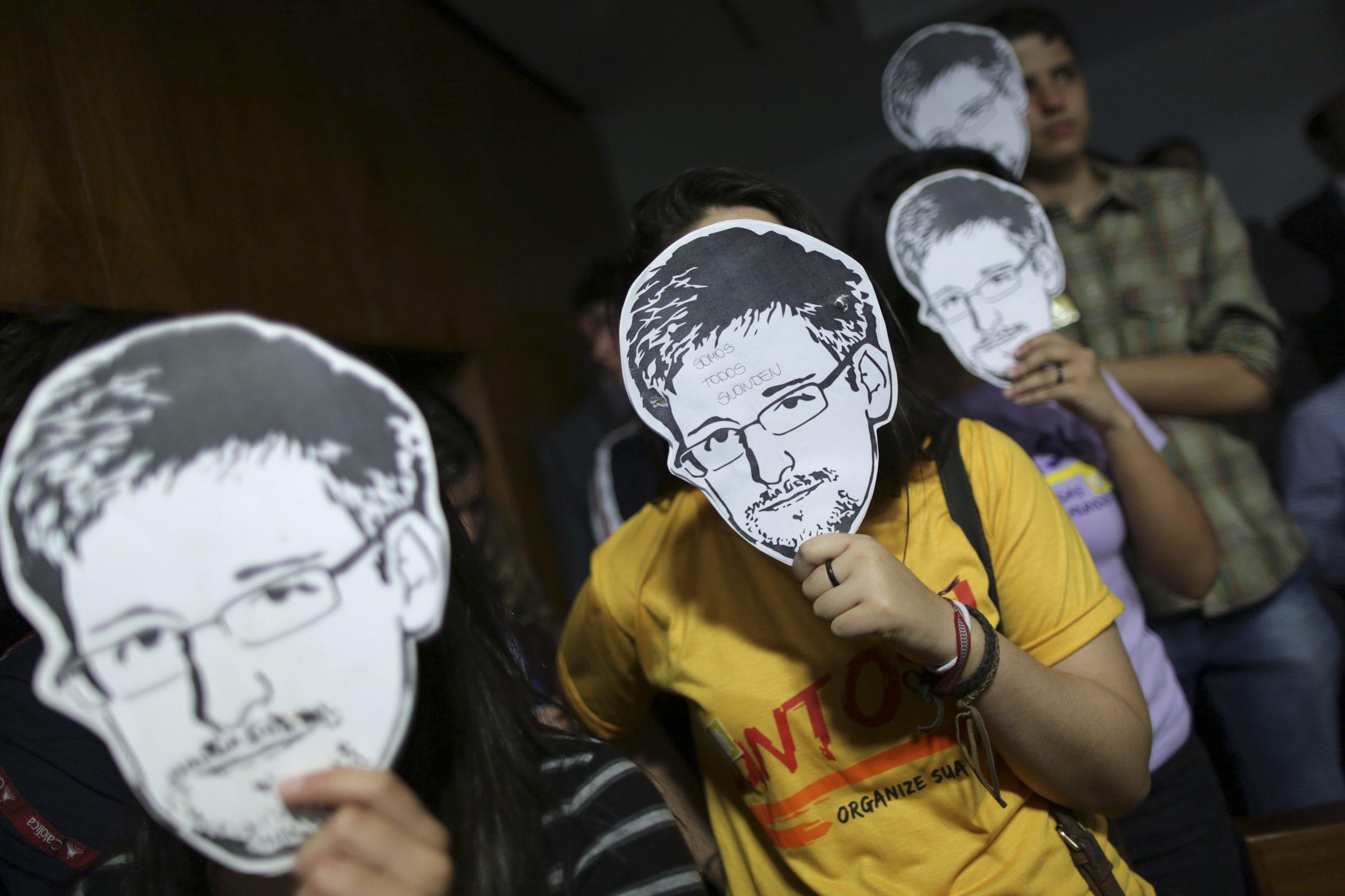 SnowdenMask
