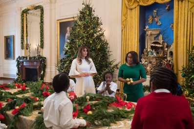 "melania trump christmas decorations ""be best"""