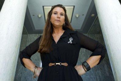 la-1543265876-6hz7g7lfim-snap-image JAMEE COOK breast implant advocate AP photo