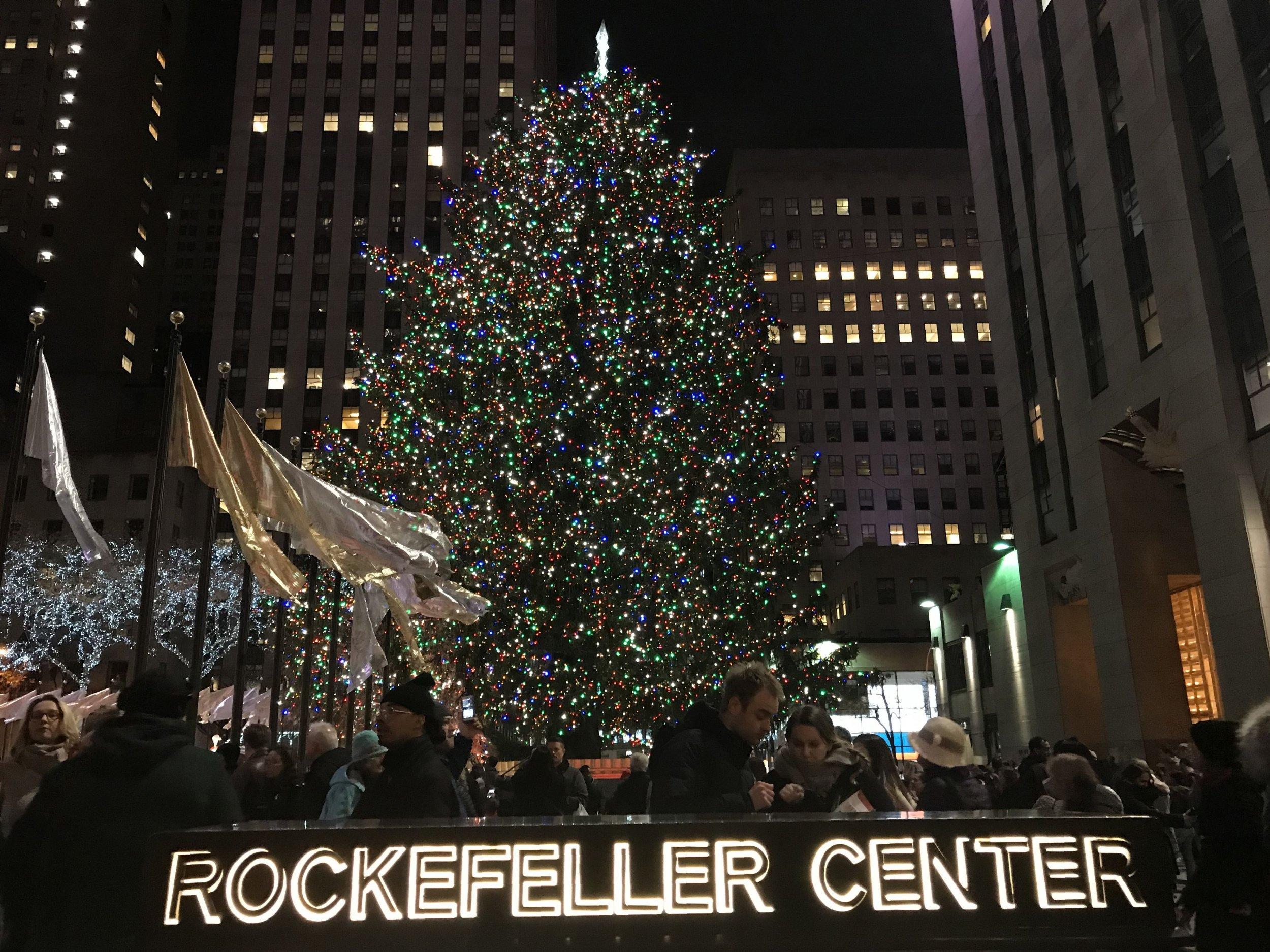 Lighting Of Rockefeller Christmas Tree.Rockefeller Christmas Tree Lighting 2018 Who S Performing