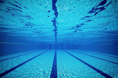 11_28_Swimming pool