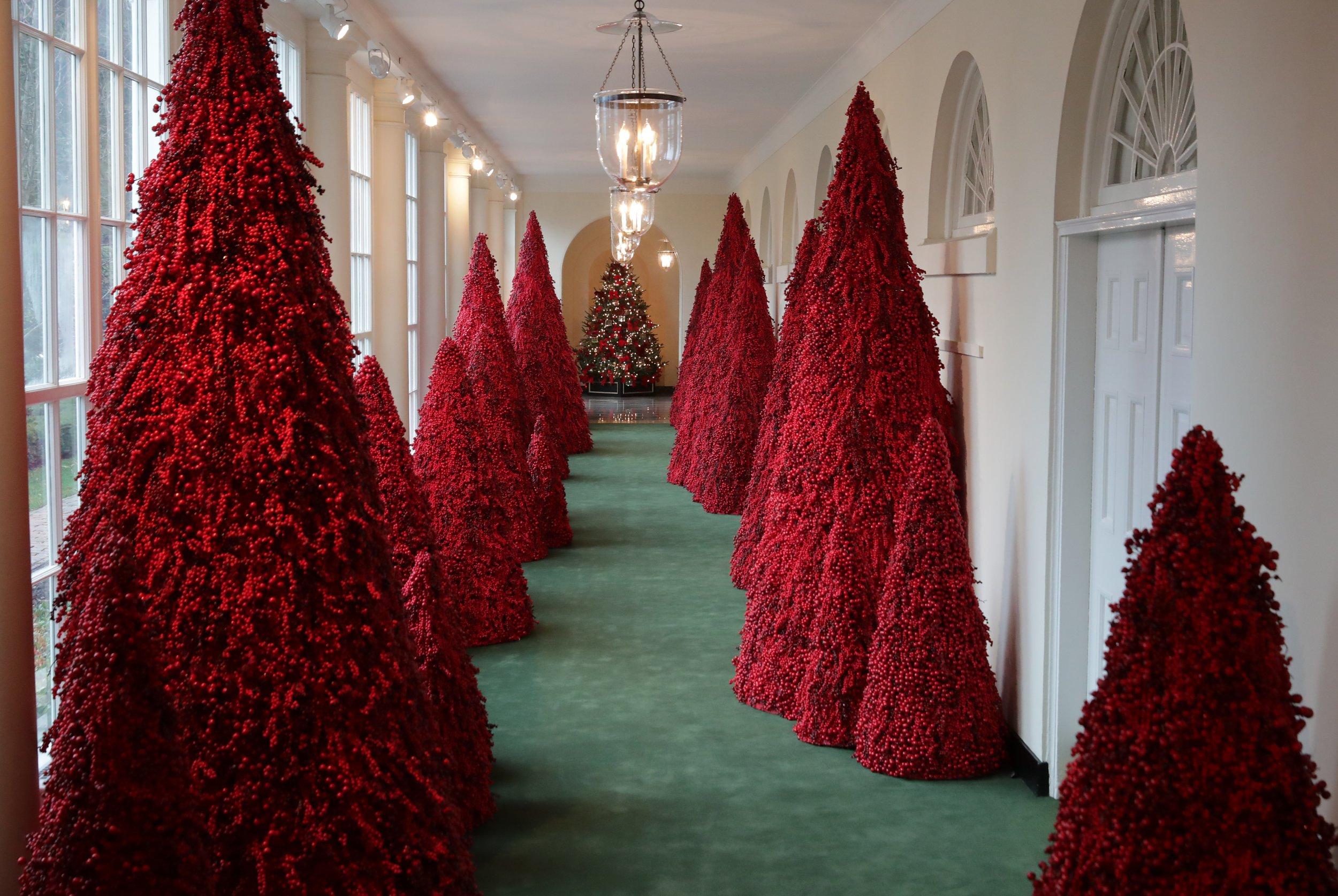 melania trump red trees christmas white house