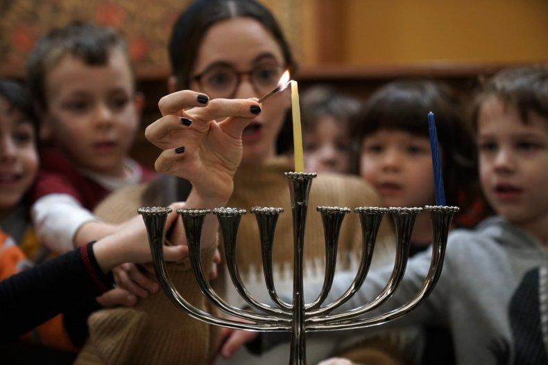 hanukkah or chanukah how to spell hanukkah
