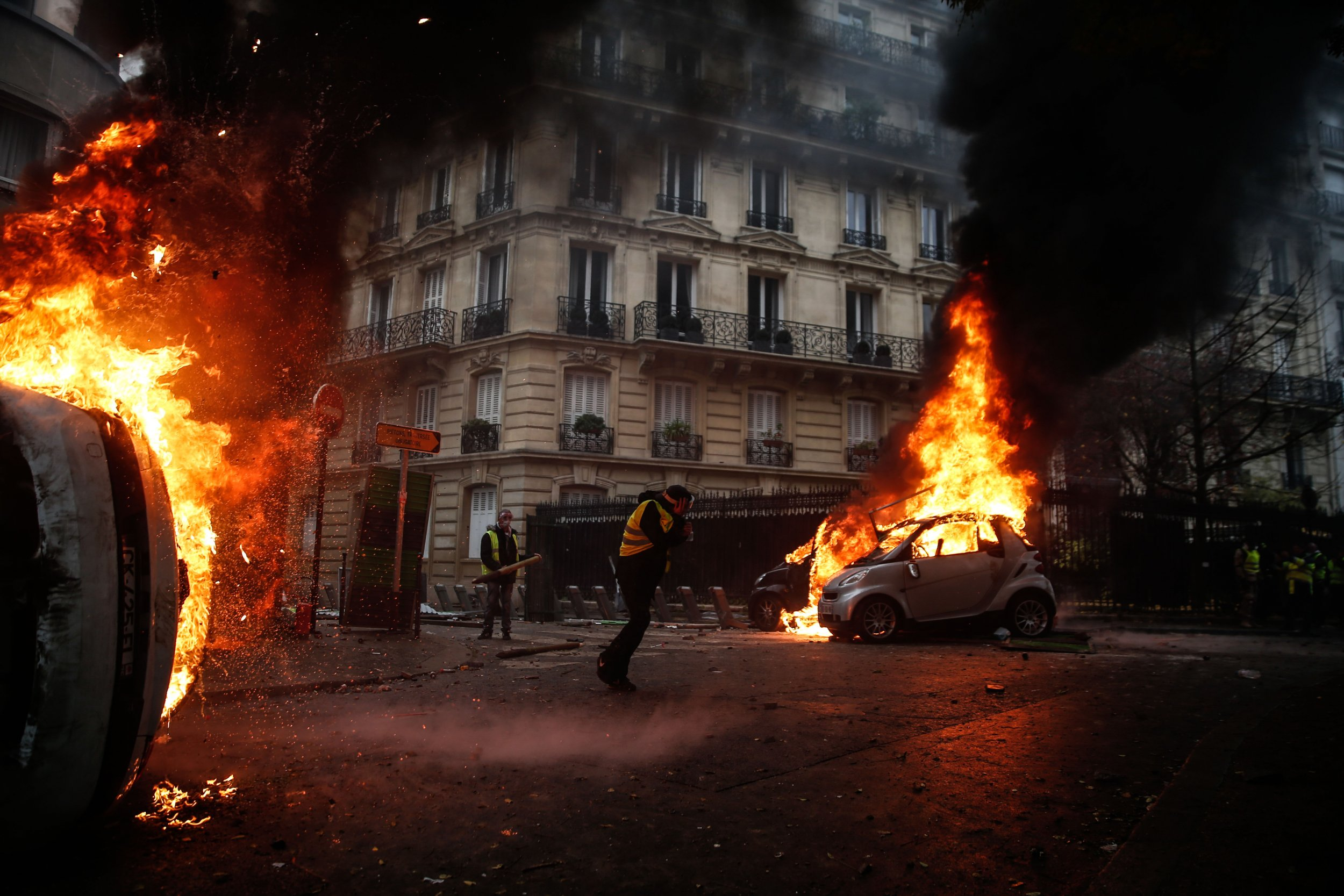 paris-riots-emmanuel-macron-yellow-jackets.jpg