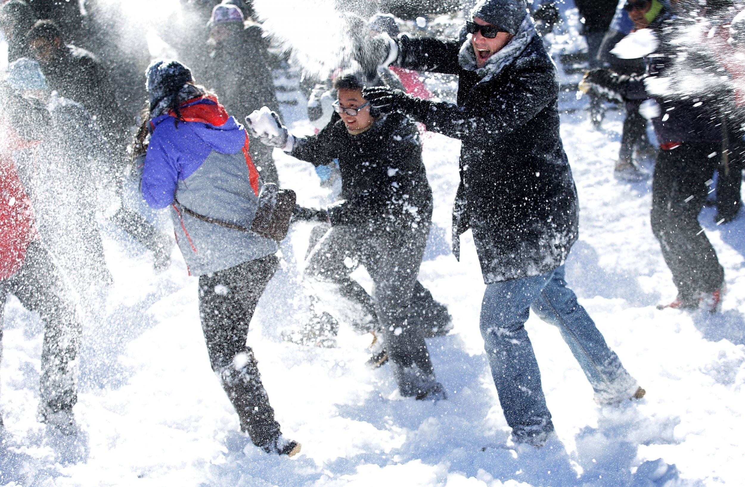 12_4_Snowball fight