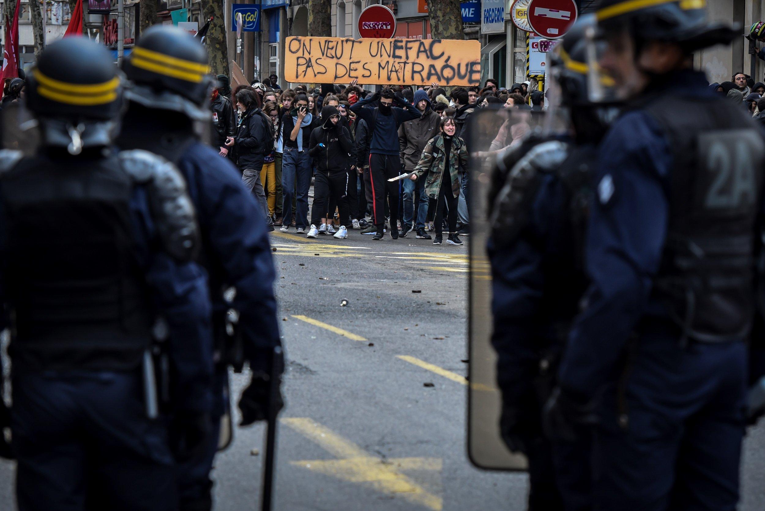 France High School protests arrests riot police