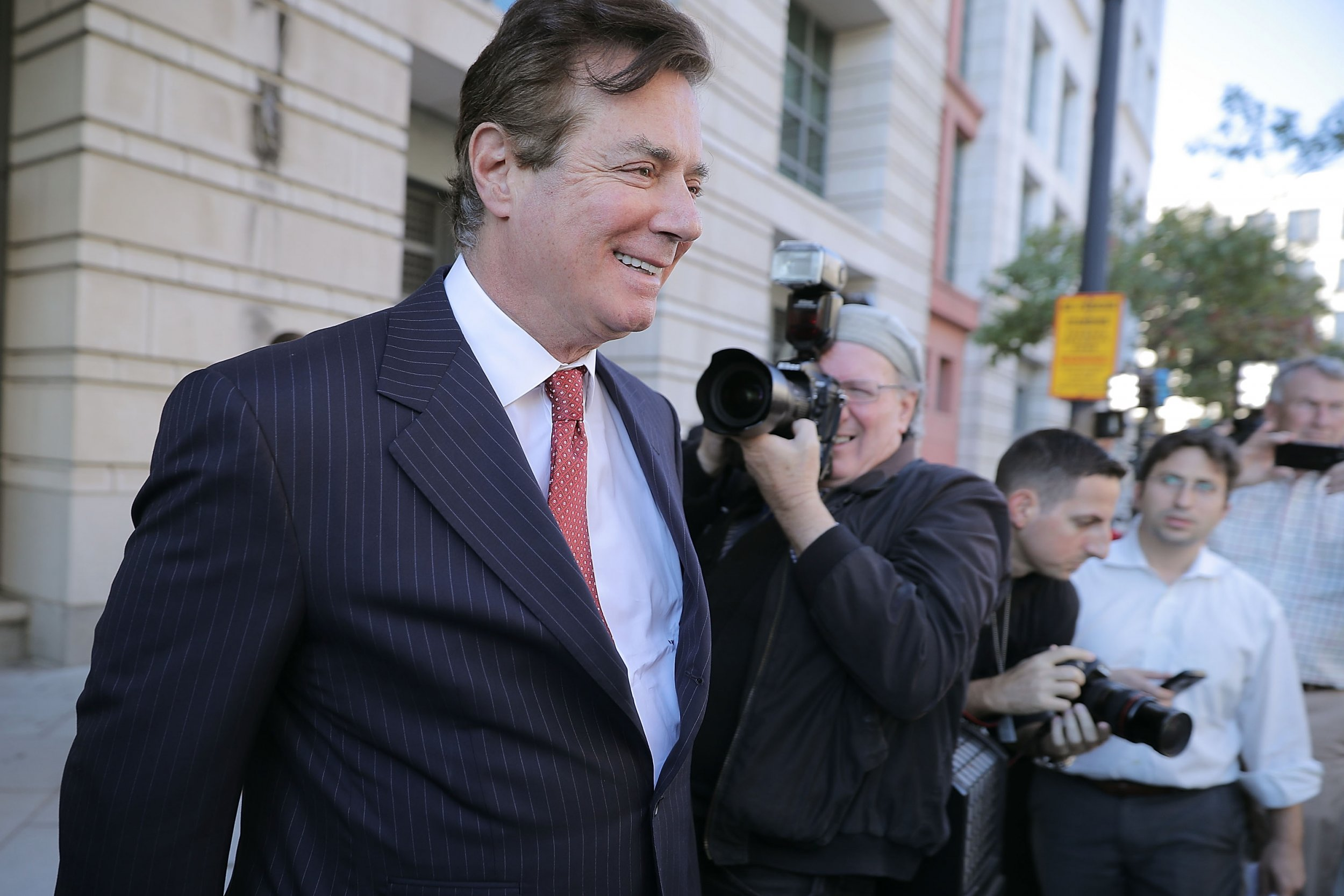 Paul Manafort Still Had Contact With Senior Trump Administration Official This Year, Lied to Mueller Team, Filing Alleges