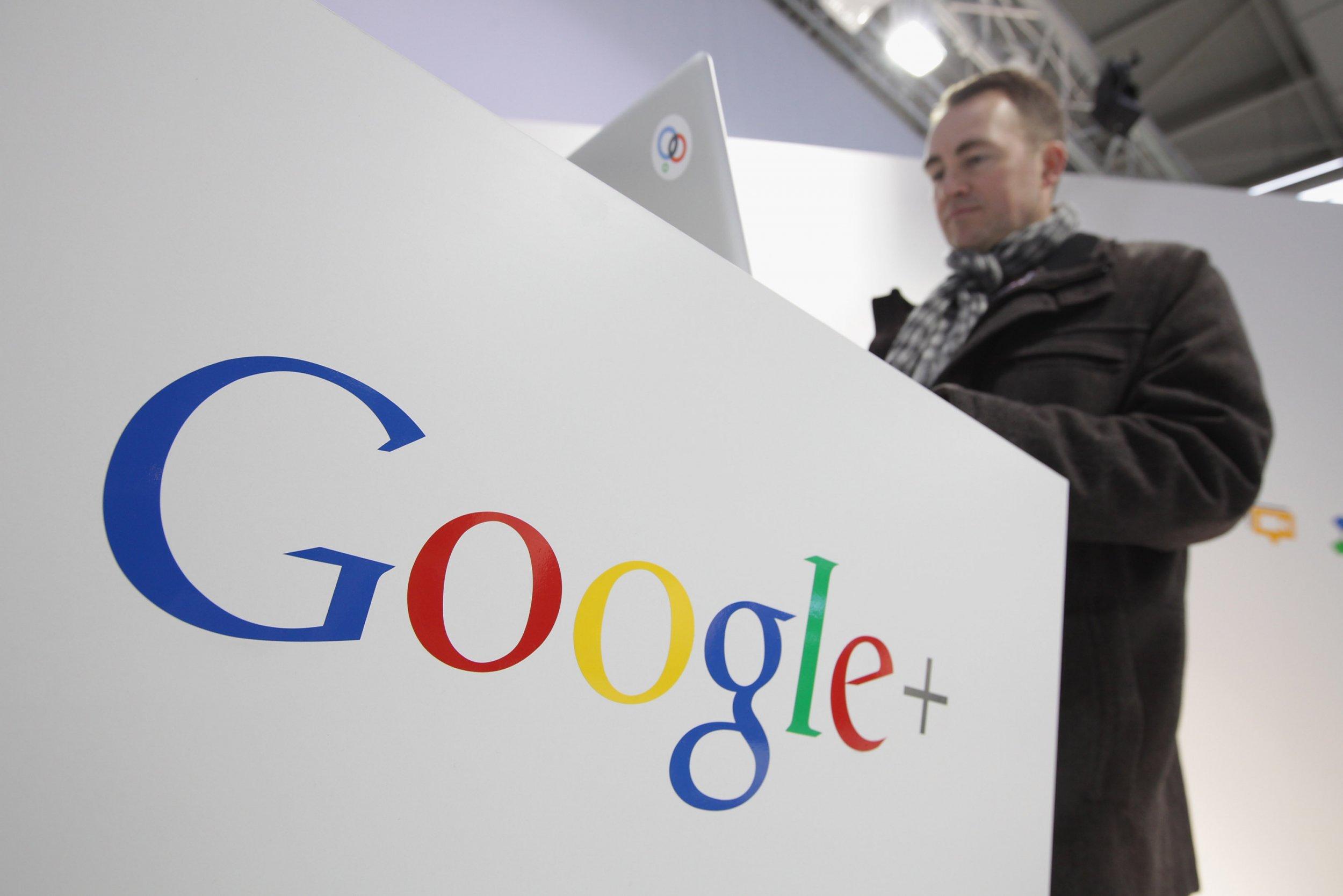 google symbol and laptop