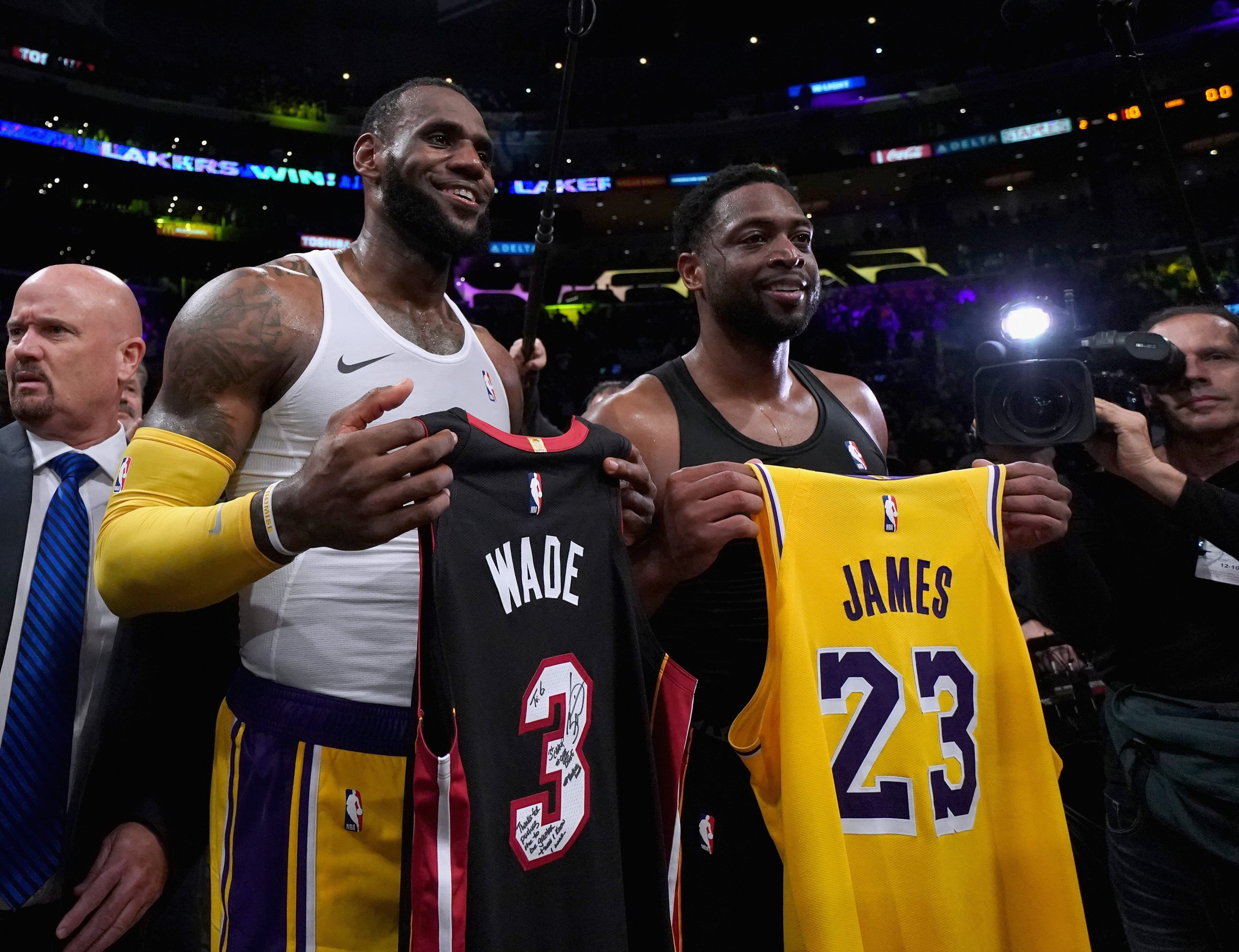 best website 16ce8 b3570 Video: LeBron and Wade Exchange Jerseys in Emotional Final ...