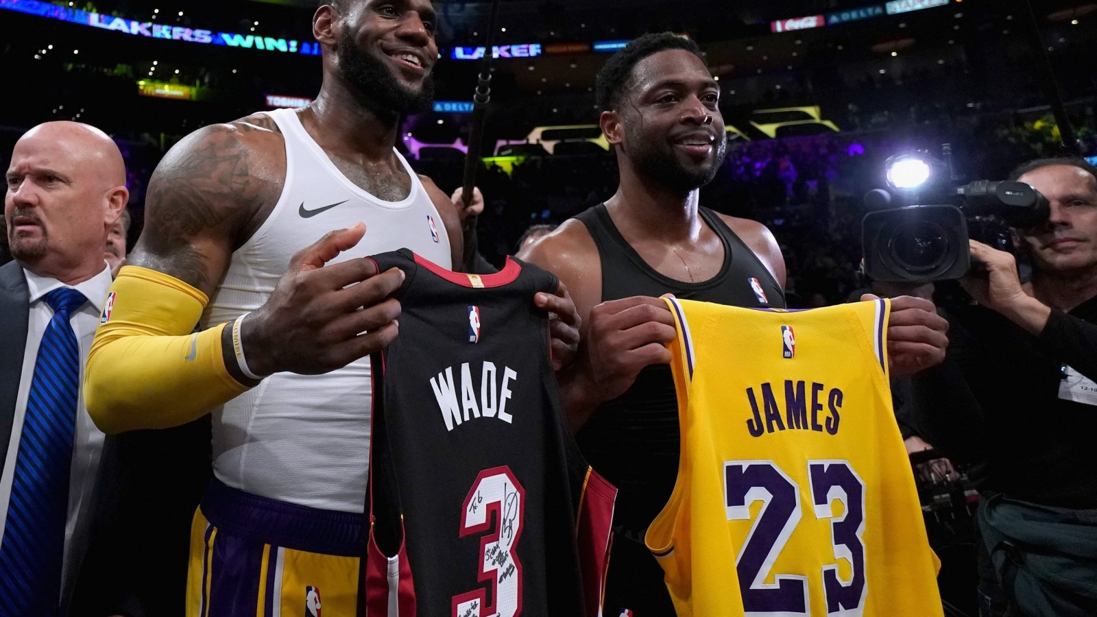 best website 84bae 10b78 Video: LeBron and Wade Exchange Jerseys in Emotional Final ...