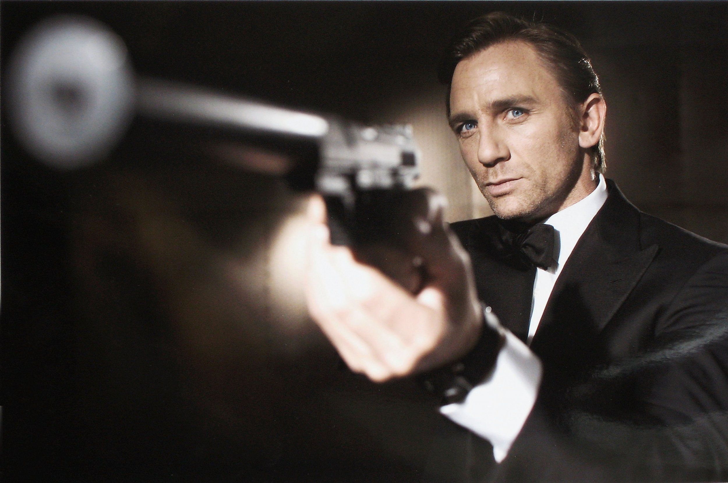 James Bond has a severe drinking problem, experts say