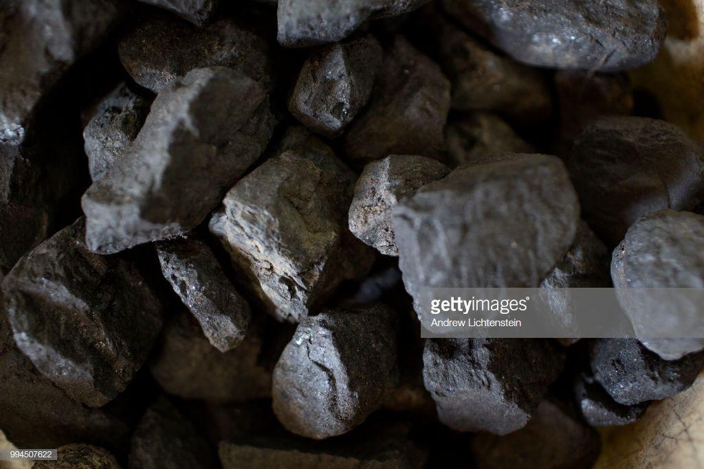 gettyimages-994507622-1024x1024 West Virginia Coal