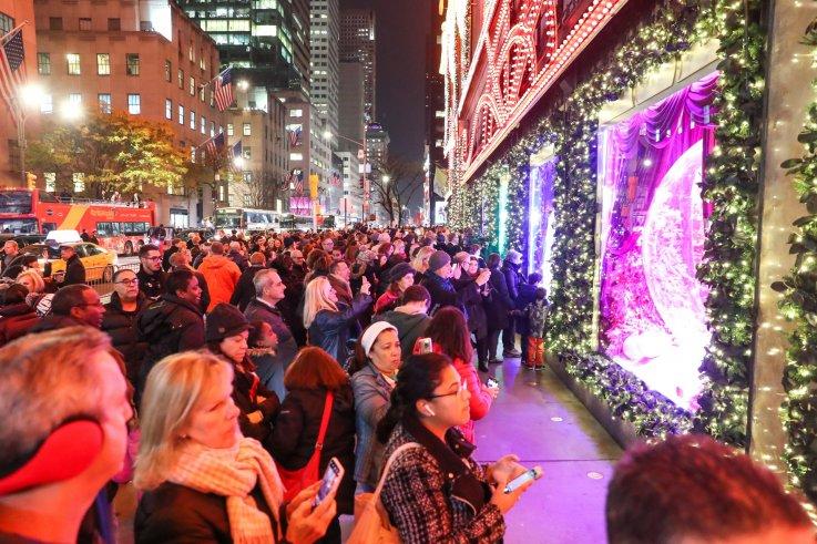 1 NYC Holiday Window Display - Saks Fifth Avenue