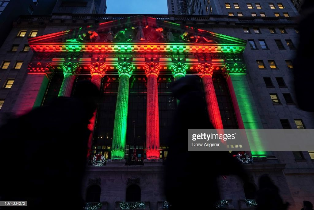 gettyimages-1074334272-1024x1024 Wall Street