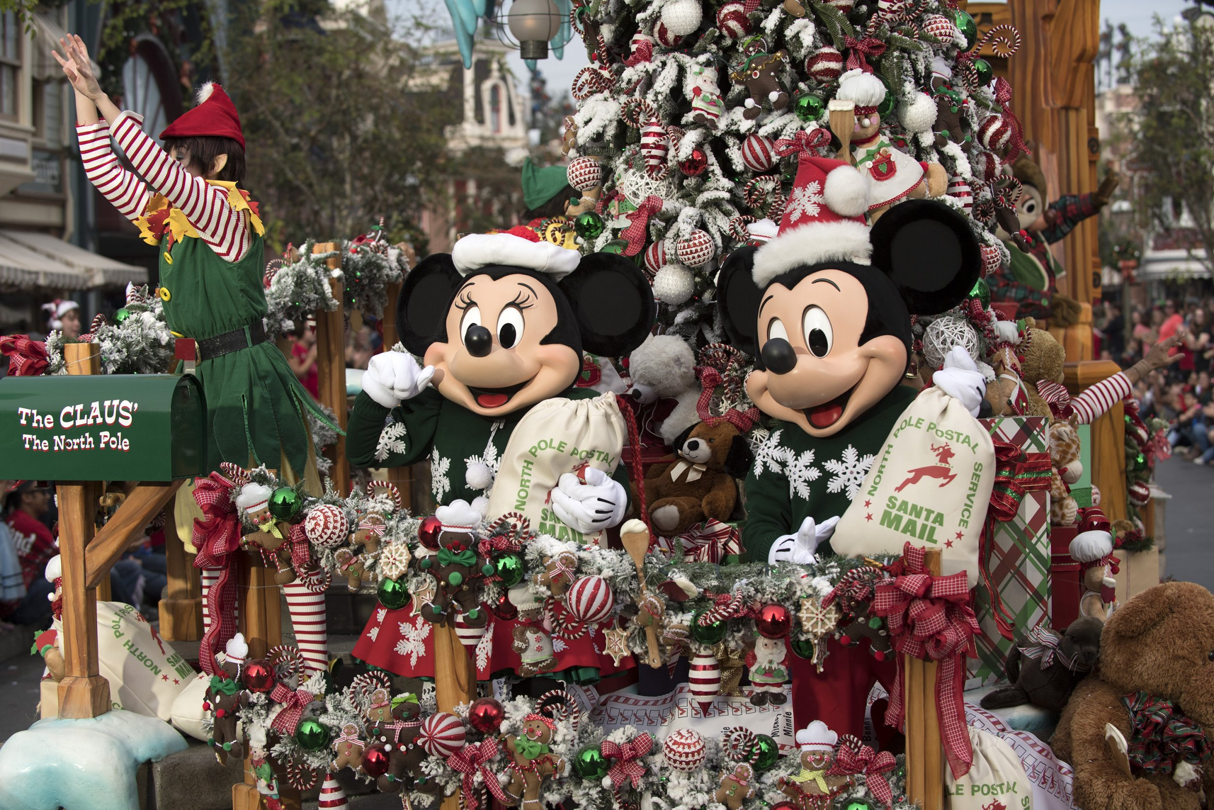 Watch Disney Christmas Parade 2020 Disney Parks Magical Christmas Day Parade Route, Time, How to