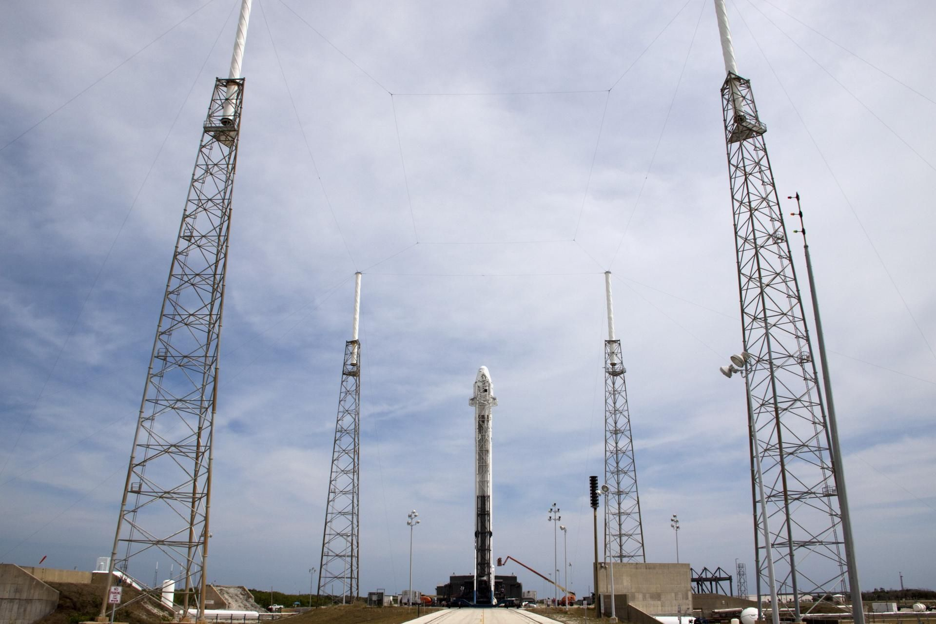 spacex on launch complex 40 2012