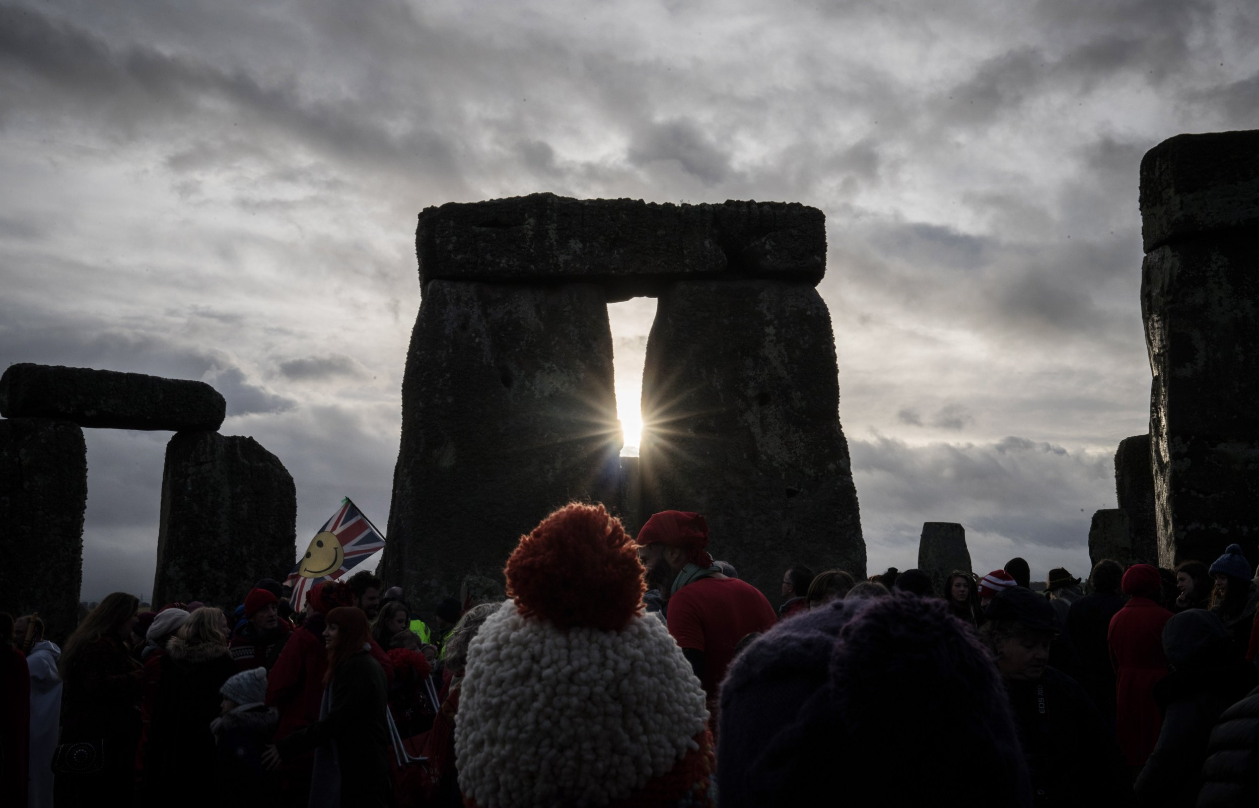 Video: Winter Solstice 2018 Time From Stonehenge, How It's Celebrated