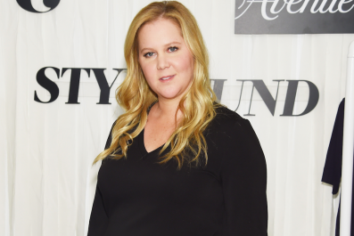 Pregnant Amy Schumer Defends '90 Day Fiancé' Star Debbie Johnson for Wearing 'Jeans' to Larissa and Colt's Wedding: 'Don't Listen to These Haters!'