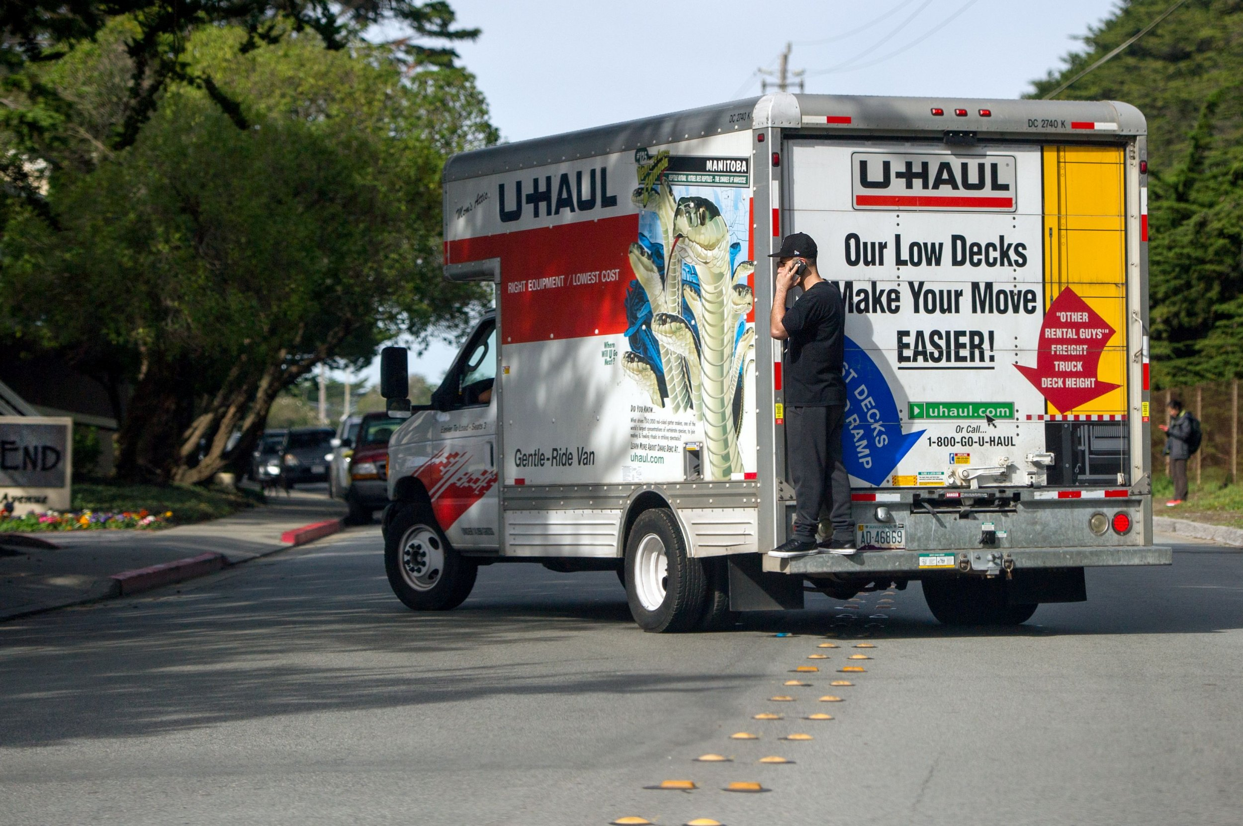 U Haul Moving Truck >> New Jersey, Illinois Top List of States With More People Moving out Than in