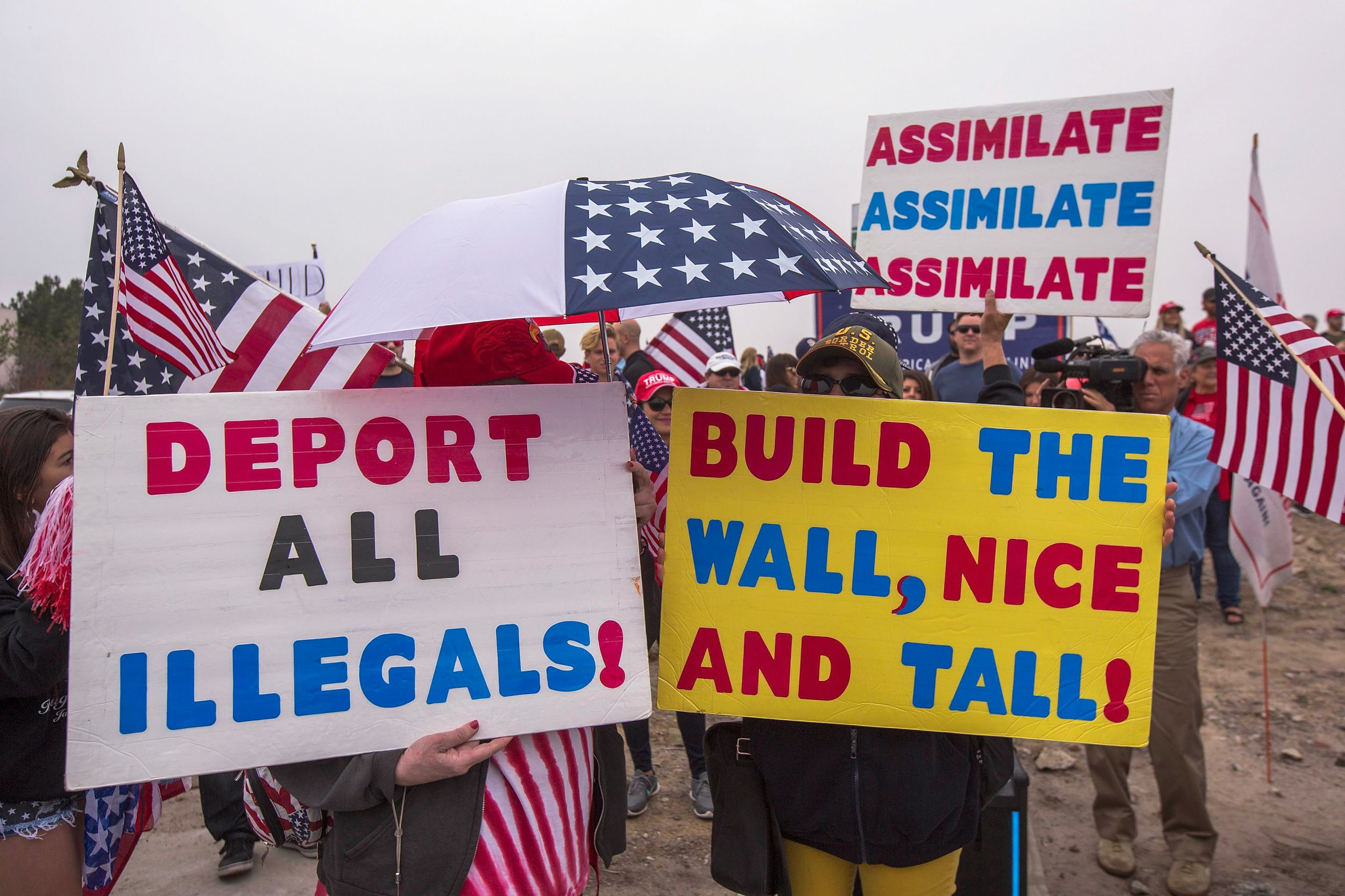 Trump border wall supporters San Diego funding