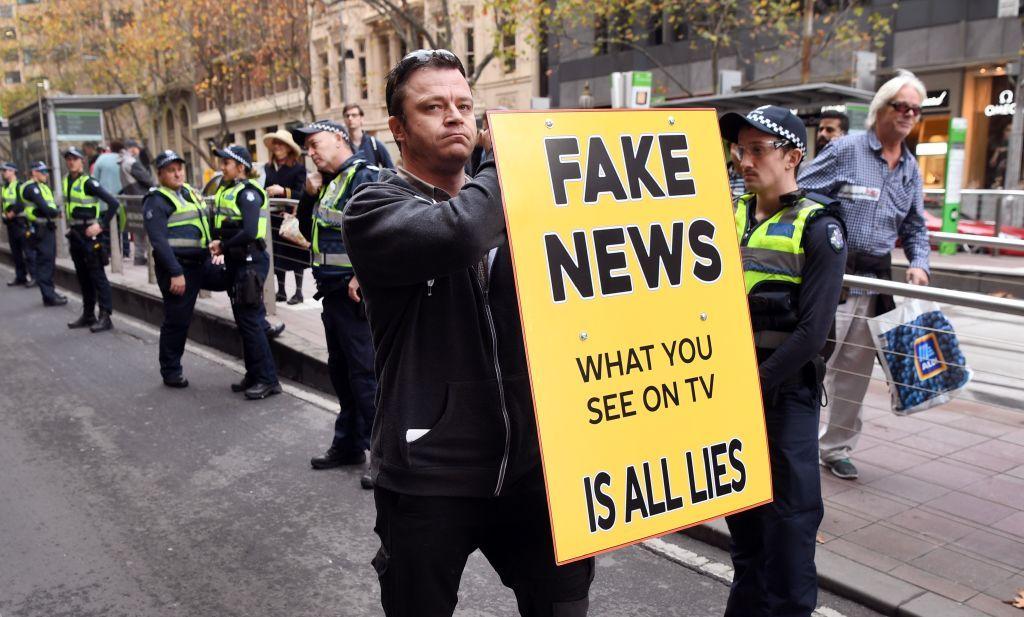 fox, anchor, fake, news, trump