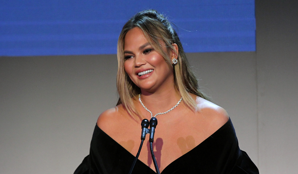 Chrissy Teigen Reacts to Lifetime's Docuseries 'Surviving R. Kelly'