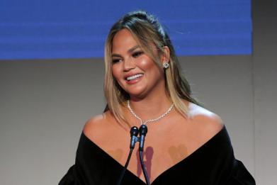 Chrissy Teigen Reacts to Lifetime's Docuseries 'Surviving R. Kelly'