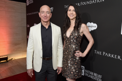 Jeff Bezos Announces Divorce From Wife MacKenzie