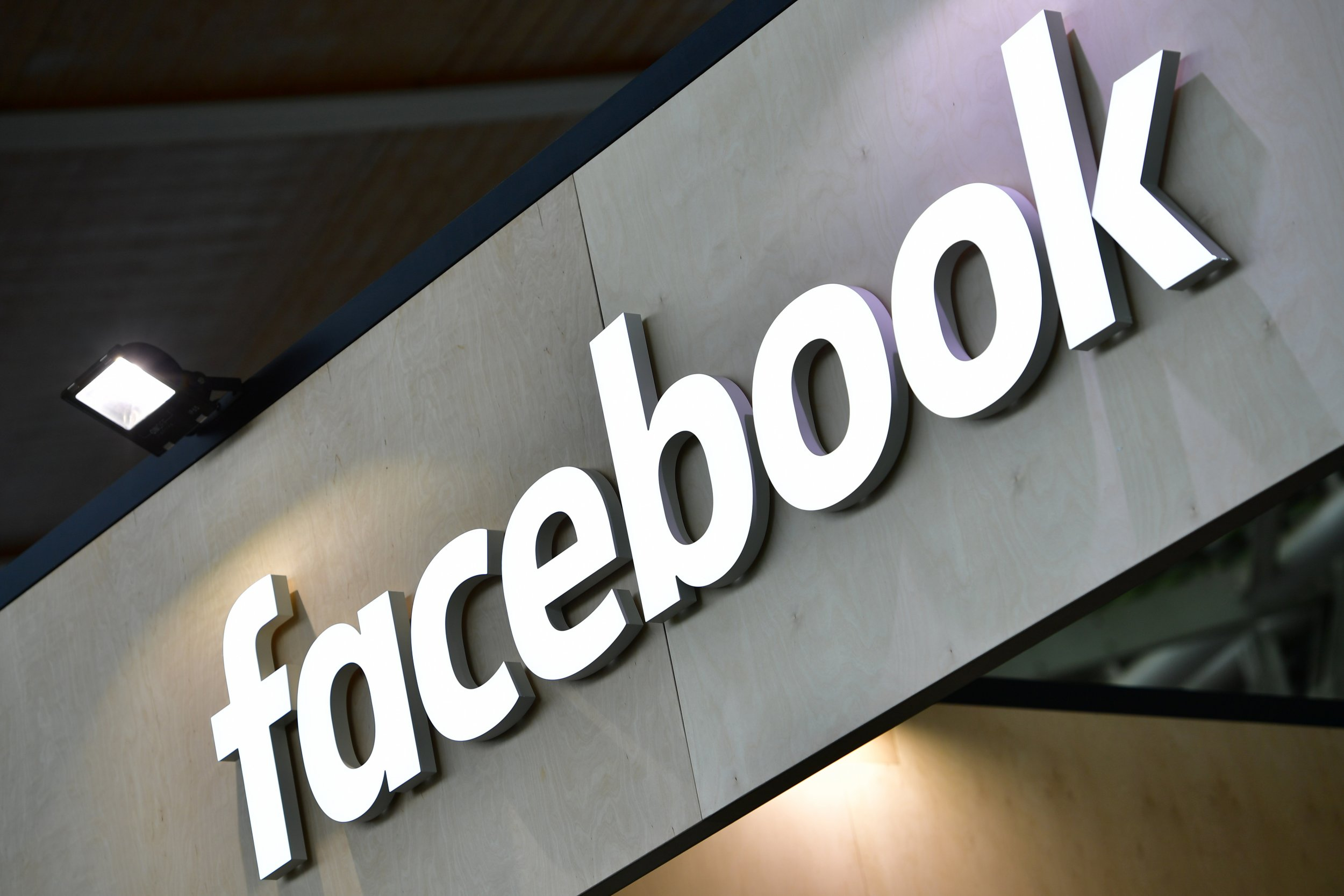 Fake News, Facebook, Twitter, Social Media, 2016 Election, Donald Trump
