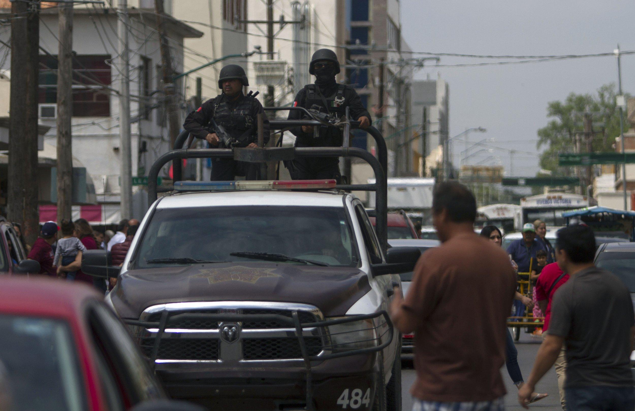 Mexico police Nuevo Laredo bodies
