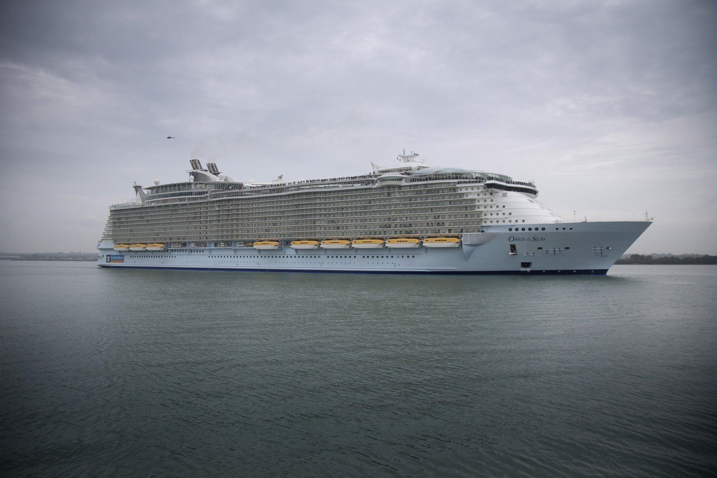 Cruise Ship, Norovirus, Gastrointestinal Illness, Oasis of the Seas, Royal Caribbean