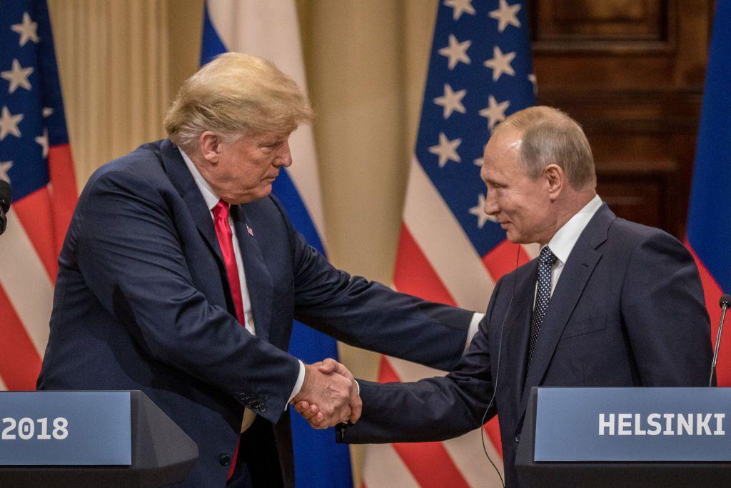 "Mueller draft report says Trump ""helped Putin destabilize the United States,"" Watergate journalist says"