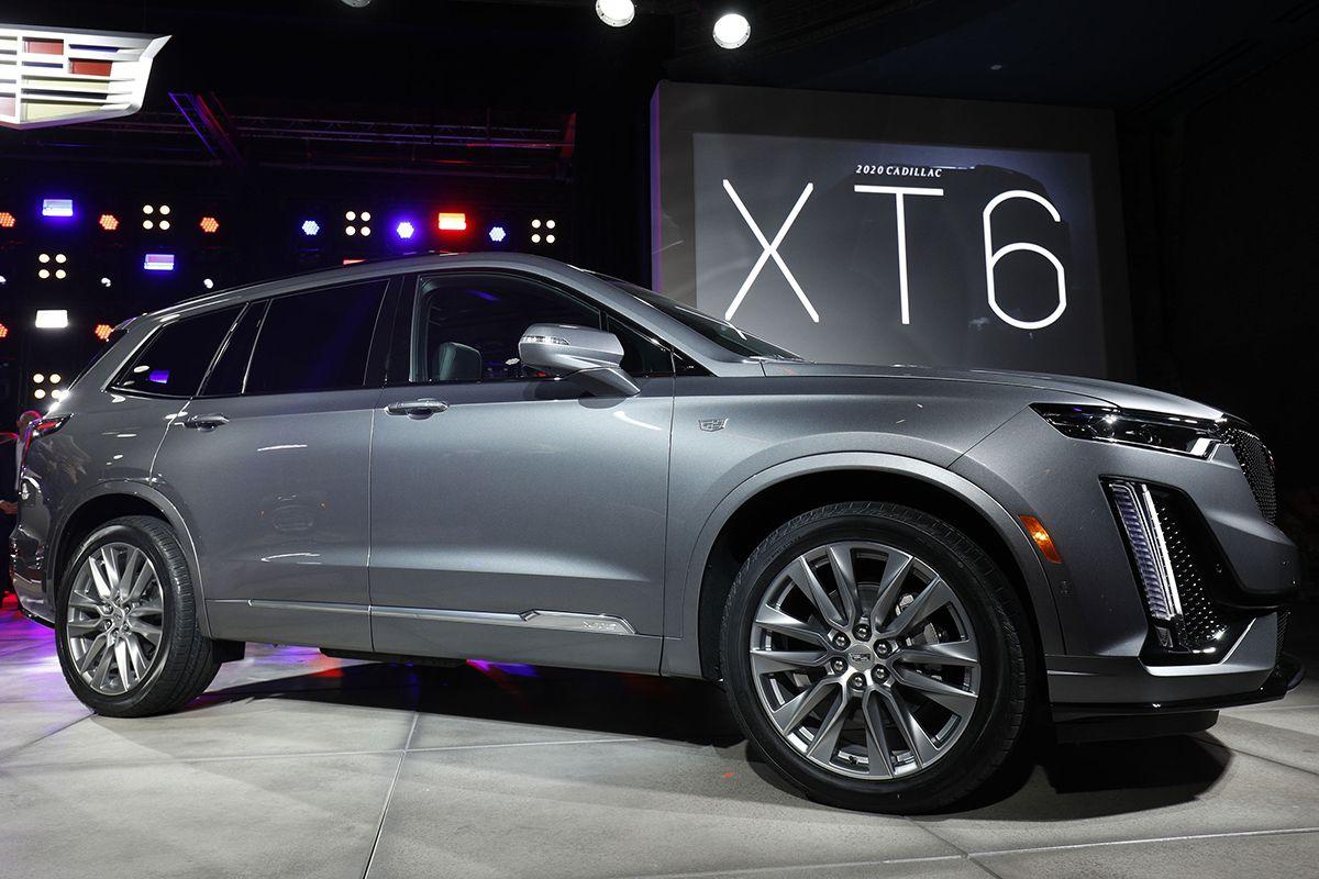 01 Cadillac XT6