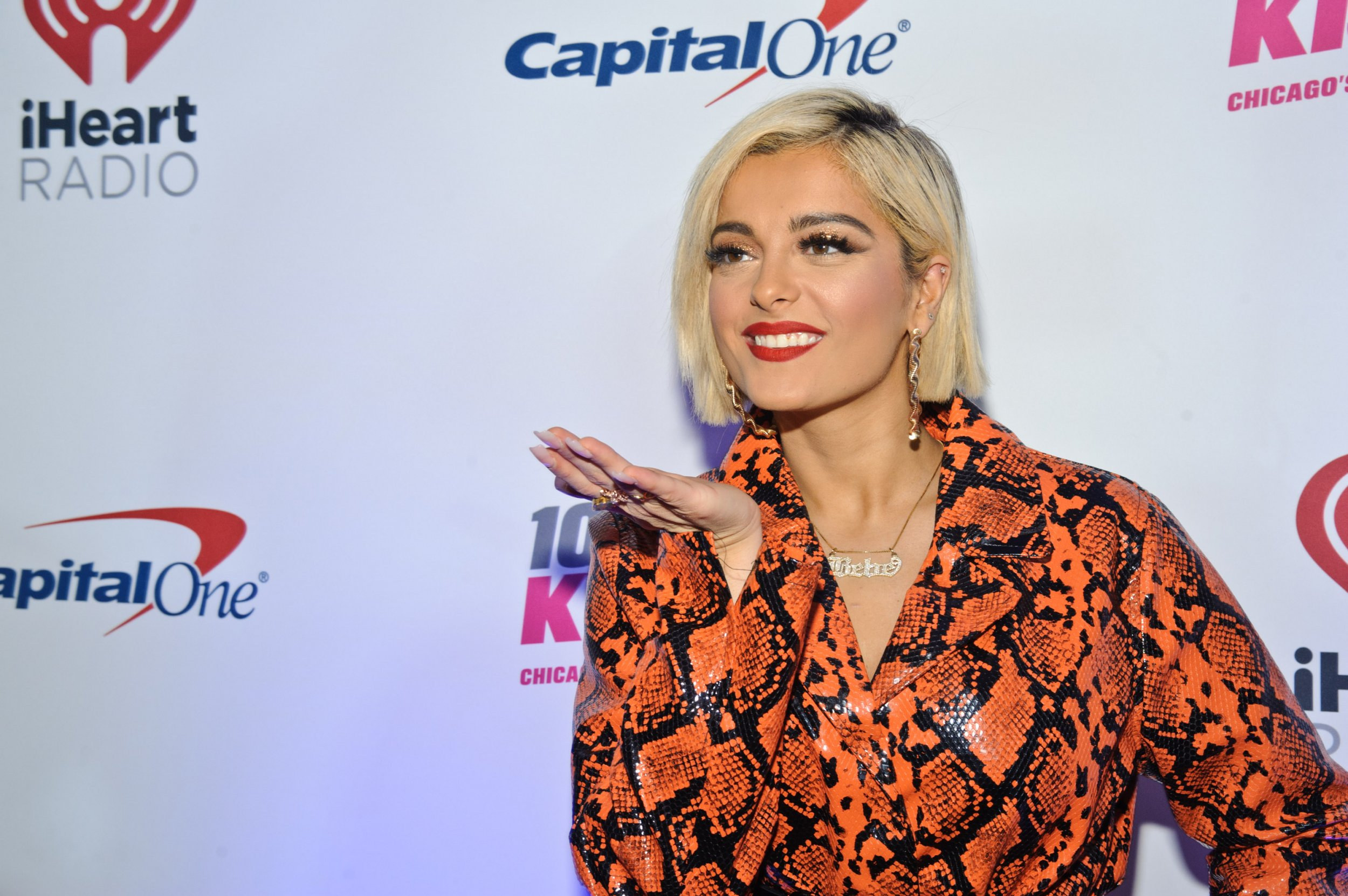 bebe rexha can't find designers for grammys