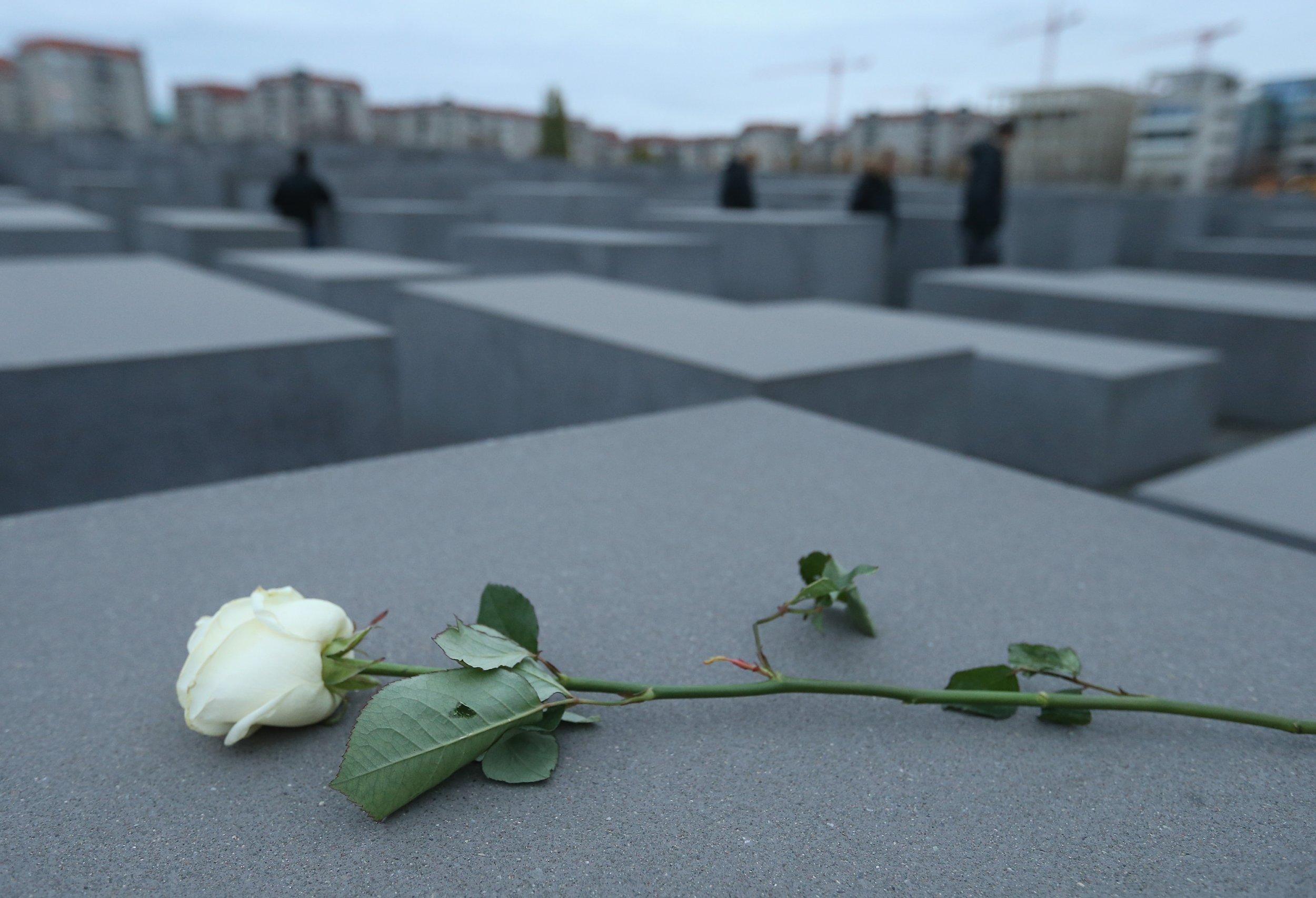 Holocaust memorial Berlin neo-Nazis